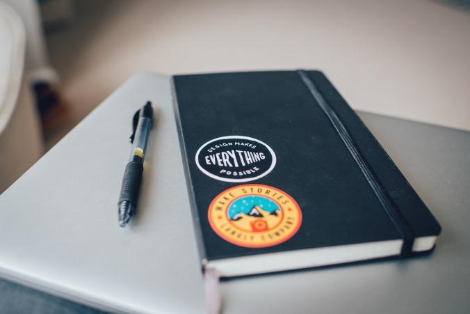 notebook-1209921_1280